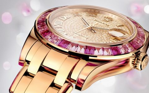 The fiercest brand Rolex at BaselWorld 2014, presented new versions of timepieces including Oyster Perpetual, Cosmograph Daykota, Milgauss, GMT-Master II, Datejust PearlMaster 34.  Baselworld 2014: Rolex live shots lady datejust pearlmaster 34 0004 1680x10701462103443966RVH 480x300