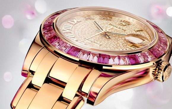 The fiercest brand Rolex at BaselWorld 2014, presented new versions of timepieces including Oyster Perpetual, Cosmograph Daykota, Milgauss, GMT-Master II, Datejust PearlMaster 34.  Baselworld 2014: Rolex live shots lady datejust pearlmaster 34 0004 1680x10701462103443966RVH