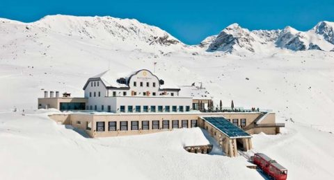 Winter Escapade: Switzerland's most luxurious hotels romantic muottas muragl hotel in Swizerland 480x260