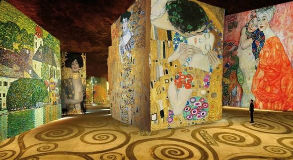 Meet Paris digital museum: L'Atelier des Lumières