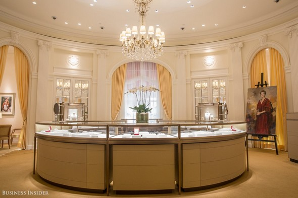 private-shopping-visit-cartier-mansion-at-5th-avenue-6 Private Shopping Private Shopping: Visit Cartier Mansion at 5th Avenue Private Shopping Visit Cartier Mansion at 5th Avenue 6