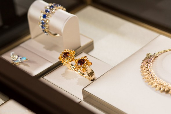 Private Shopping: Visit Cartier Mansion at 5th Avenue Private Shopping Private Shopping: Visit Cartier Mansion at 5th Avenue Private Shopping Visit Cartier Mansion at 5th Avenue 8