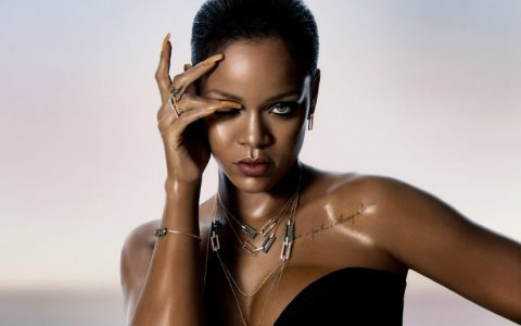Rihanna Loves Chopard, Rihanna, Chopard, Caroline Scheufele, basel shows, limited edition jewels, diamond earrings Rihanna Loves Chopard Limited Edition jewels: Rihanna Loves Chopard ♥ Discover Luxury Jewelry Collection Rihanna Loves Chopard 480x300
