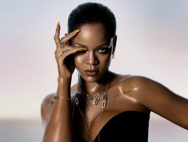 Rihanna Loves Chopard, Rihanna, Chopard, Caroline Scheufele, basel shows, limited edition jewels, diamond earrings Rihanna Loves Chopard Limited Edition jewels: Rihanna Loves Chopard ♥ Discover Luxury Jewelry Collection Rihanna Loves Chopard 740x560