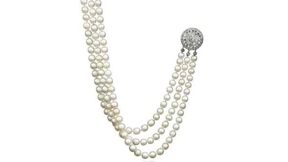 Marie-Antoinette's Jewels Exclusive Jewelry Marie-Antoinette's Jewels in Auction Exclusive Jewelry Marie Antoinettes Jewels in Auction 5