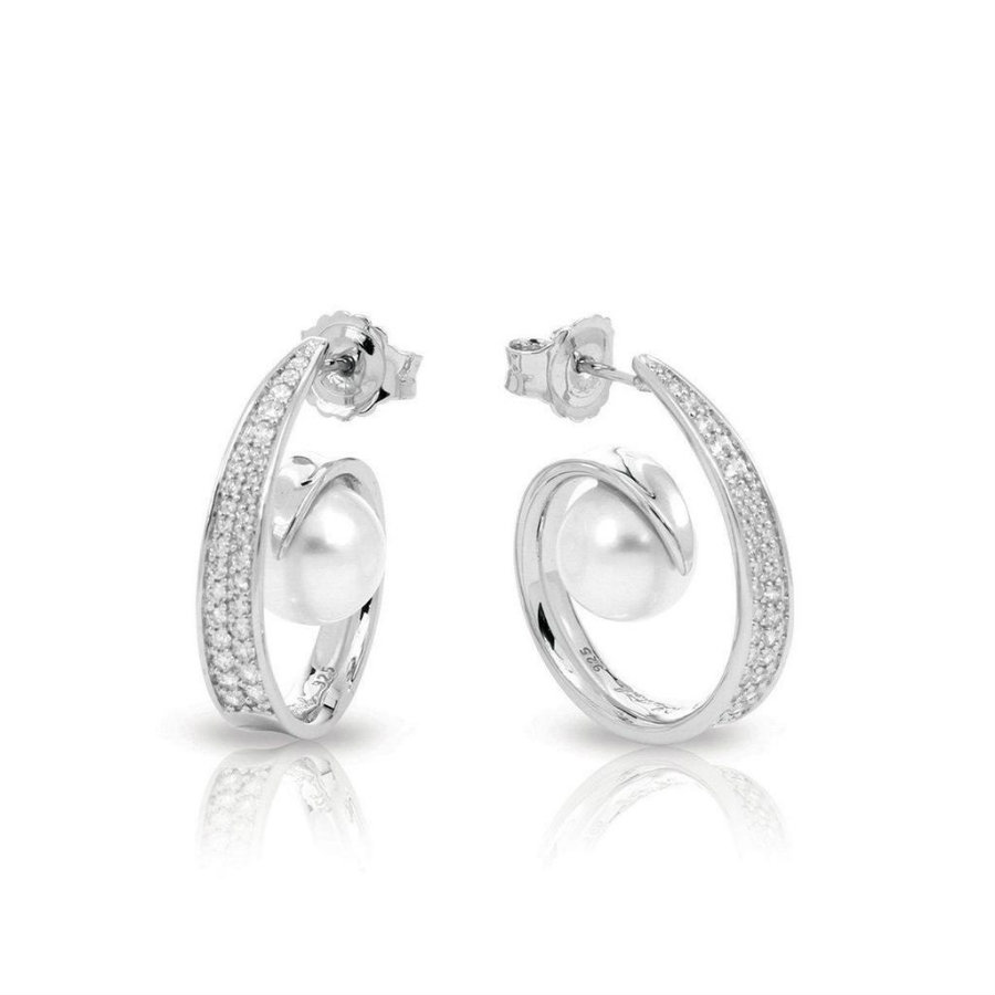 Belle Étoile will unveil spring collection at Centurion 2019 Centurion 2019 Belle Étoile will unveil spring collection at Centurion 2019 Alanna White Earrings