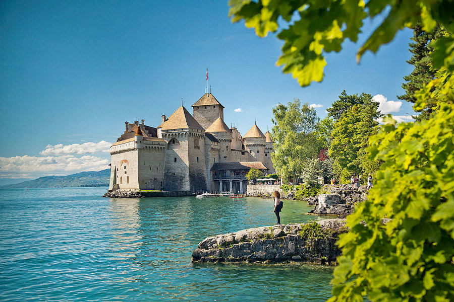 Check out this complete design guide for PAD Genève 2019 pad genève 2019 Check out this complete design guide for PAD Genève 2019 Lake Geneva