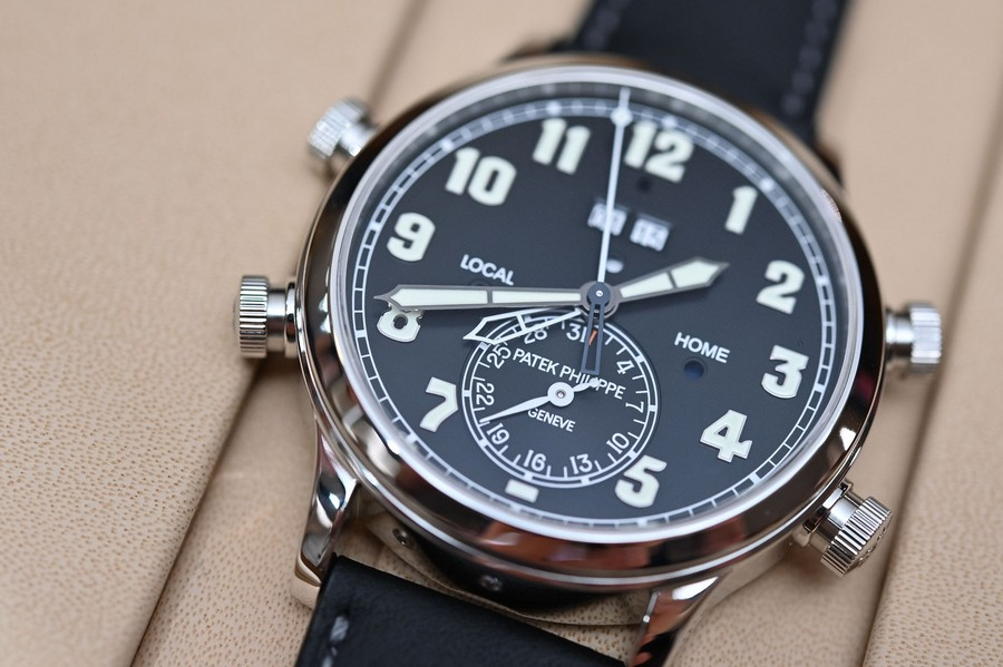 baselworld Baselworld 2019: black and white is a trend in luxury watches Patek Philippe