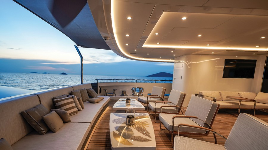 Have a look at this Incredible Luxury Yacht named Lilium luxury yacht Have a look at this Incredible Luxury Yacht named Lilium Have a look at this Incredible Luxury Yacht named Lilium 6