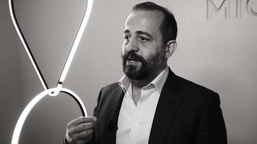 Meet Michael Anastassiades: the Designer of the Year at MO19 michael anastassiades Meet Michael Anastassiades: the Designer of the Year at MO Meet Michael Anastassiades the Designer of the Year at MO19 6